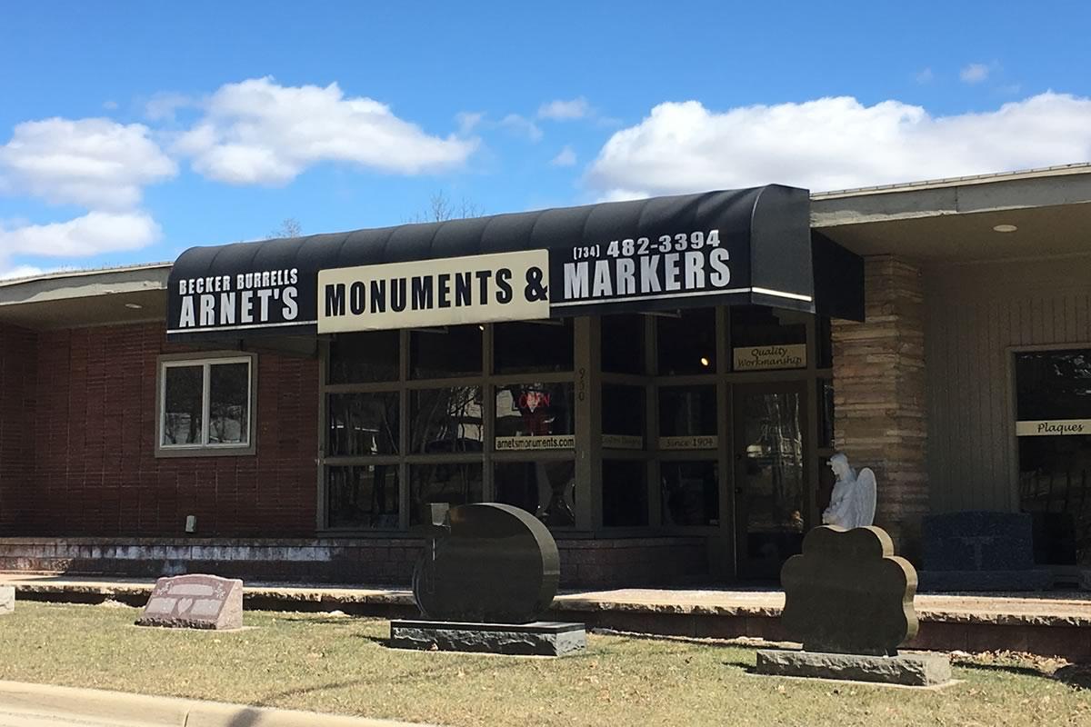 Arnet's Monuments